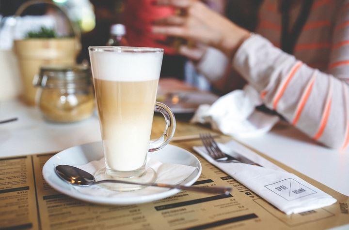 Mennyi cukor van a kedvenc forró csokidban?