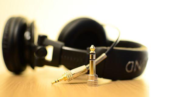 Zenehallgatás = halláskárosodás?